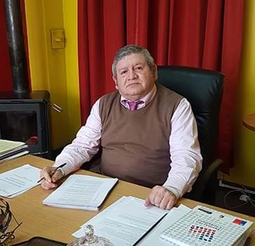 "Entrevista a Luis Seguel Arriagada, autor de ""Crónica de un Rolandito"""