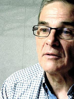 """Entrevista a Daniel Alcoba, autor de """"Final de la etapa guevarista o de la imitación del Quijote"""""""