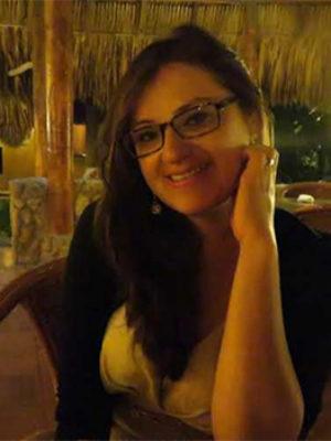 """Entrevista a Rayza Valle, autora de """"23. El camino para encontrarte se escribe en verso"""""""
